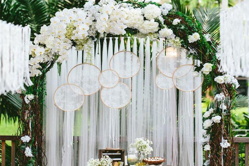 Top 3 xu hướng chọn tone màu trang trí đẹp nhất khi tổ chức tiệc cưới outside