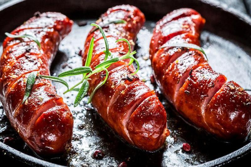 Gợi ý 5 công thức chế biến lạp xưởng ngon khi nấu tiệc tại nhà