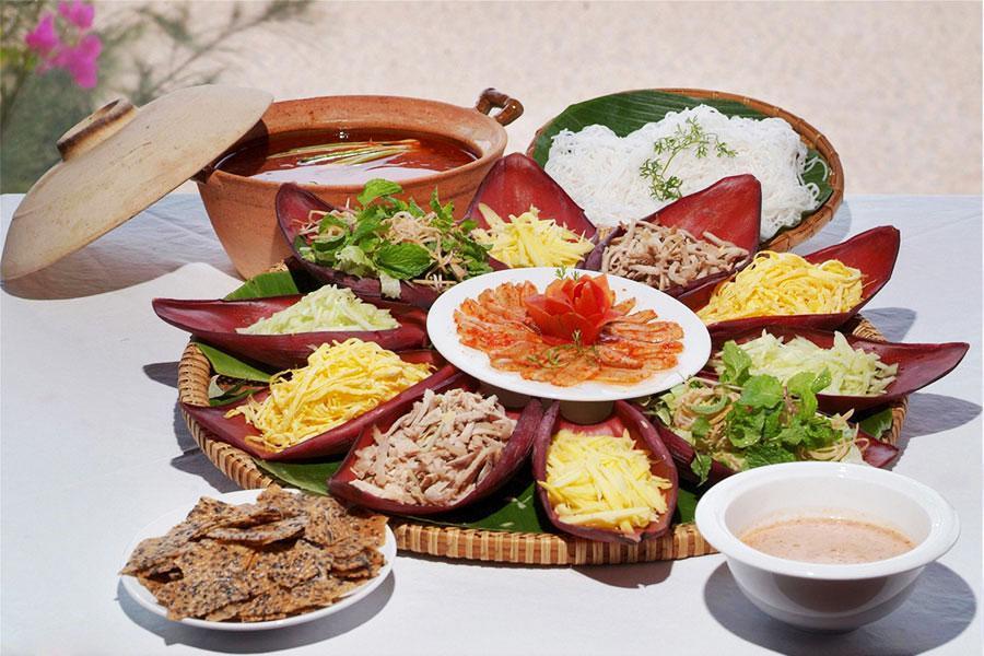 Đặt cỗ tại nhà với các món ăn đặc trưng hương vị miền Trung