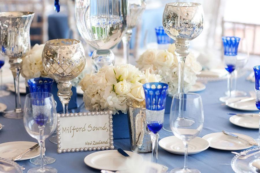 Tô điểm ngọt ngào cho tiệc cưới ngoài trời với sắc xanh trắng của hoa cẩm tú cầu
